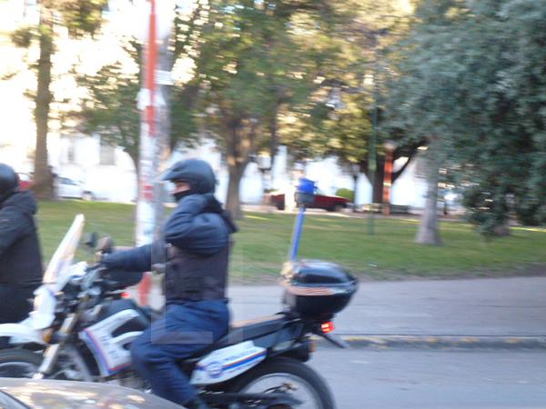 POLICIA-EN-MOTO